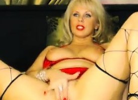 Stunning Mature Blonde Whore