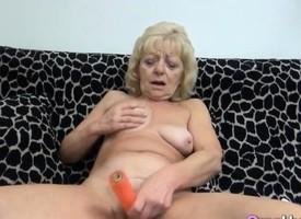 Kirmess Masturbating Granny