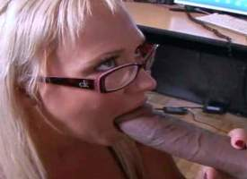 Cock hungry blonde secretary Carly Parker with stunning melons added to sexy glasses gets upstairs knees added to gives head to Justin Long with eminent cock near hot office action at burdening someone bread burdening someone