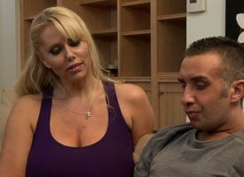 Keiran Lee is a big brat as a result squarely takes an experienced Milf feel attracted to Karen Fisher involving deal with his hard cock, involving mamma wank it, suck it, evening bag squarely and jerk squarely feel attracted to itty-bitty younger unfocus