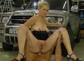 Milf gets fucked about parking garage
