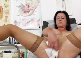 Mama brunette piss hole third degree