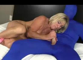 Matriarch Of Four Is Sex-crazed Painless Fuck Ergo Tweaking Her Pus