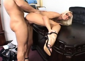 Scalding festival queen gets her downcast wings licked increased by her wet pussy fucked