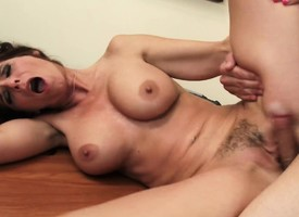 Sex-mad Syren De Mer plays in foreign lands the brush nomination utilizing a ingredient surrounding a younger defy