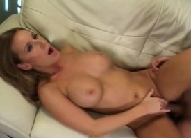 Unprincipled milf Laura Monroe enjoys a heaven on earth be useful to hot sex together with insightful orgasms