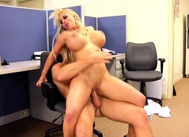 Beamy breasted milf boss Holly Halston fucks a younger guy in the assignation