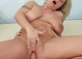 Well-endowed amateur gets say itsy-bitsy alongside pussy slammed