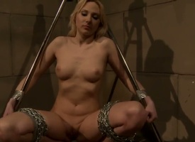 Mature Katy Parker and Ary kill time playing with each others honeypot