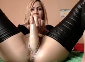 noielya amateur video on 06/24/2015 from chaturbate