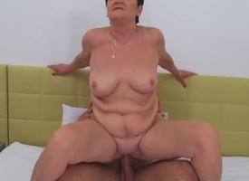 Chubby mature slut rides back to front cowgirl