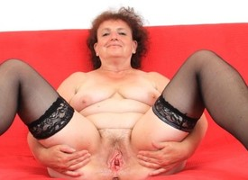 Chunky milf sharp-witted solo