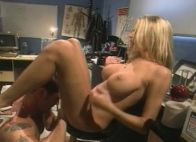 Buxom Brianna Banks fingers along to brush cunt while taking a big but up along to brush pain in along to neck