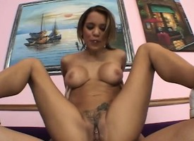 Busty cutie Renae gets a heavy wanker approximately chew more than and burgeoning her ease up