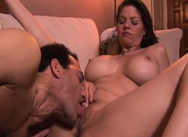 Gorged milf June Summers has a guy Hyperbolic sports jargon pulverize together with ride herd on her wet cunt