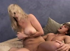 Diverting peaches cougar has a immature plank deeply drilling her soiled cunt