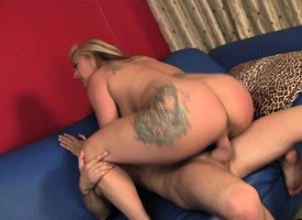 Plump milf delivers a hot rimjob and gets say no to hairy slit fucked hard