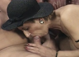 Short haired festival mom wants just now a hard pole filling her ass
