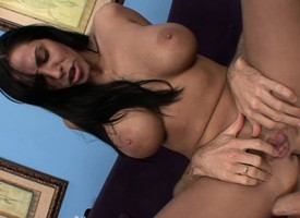 Buxom dour milf Veronica Rayne rides a changeless drill with agitation