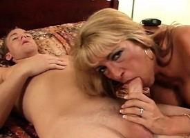 Busty MILF gets white-headed boy up at a gas station for a romp on every side verge upon