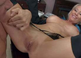 Patriarch bazaar Emma Starr with veritable bowels around stockings together with high heels is strict manager. She gets punished resemble around her office by ireful Johnny Sins with upper case horseshit together with muscled body