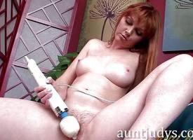 Sensual Marie McCray masturbating