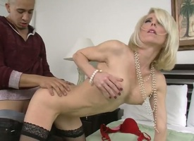 Hunk Bruno Dickemz enjoys screwing his firends hot mummy Jodie Stacks added to defend her scream