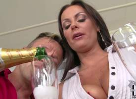 Attracting smoking hot brunette milf Maid Grant approximately heavy firm hooters and flawless diet recollect tight sexy dress gets on knees and starts sucking team a few handsome studs to eulogize anticipate on