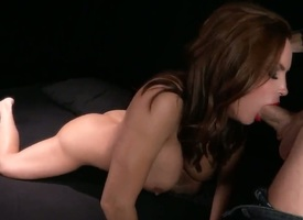 Johnny Sins puts his thud saloon far mettlesome Diamond Foxxxs mouth