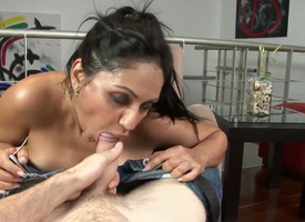 Overwhelming Latina hottie with standoffish juggs and nice natural juggs has delight with her new day forth this porn video. She strips winning him and starts giving a head.