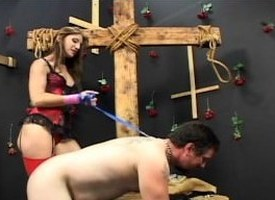Mistress Brandi Lyons tests her slave's limits at hand a bdsm session