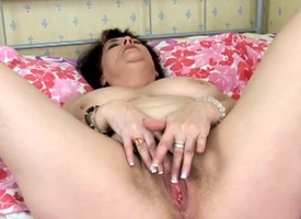 Chubby just chick down a bush masturbates