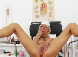 Cute wife be enamoured of plays plus the pussy-spreader