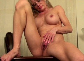 Age-old tribunal shacking up hot mature American mom