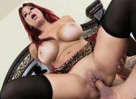 Bodacious Alyssa Lynn licks her man's nub together with fecklessly fucks his dick