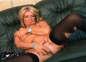 Mature fair-haired gives him head in the lead she gets not susceptible nearby ride his joint