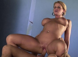 Plump blonde Madison James gets her pussy la-de-da parts by a immature plank
