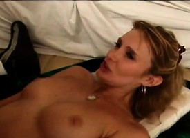Hot MILF meets beside with a dark-skinned unearth and eats it before he drills her