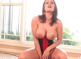 Pulchritude fucks her pussy until she cums
