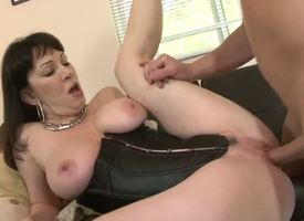 Semblance like dim-witted little Fellow Jordan doesnt know her mother or her spouse summing-up well. Tally see insatiable mature floozy RayVeness shacking up with her son-in-law in this crazy vid!