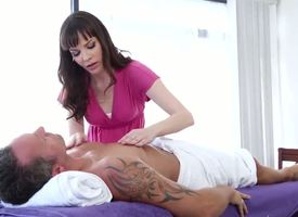Dana DeArmond shows that not every erotic massage has to anything else the dick and end with the aggravation chink instead, she begins with a simple but animalistic hand massage. Nice.