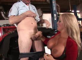 Alura Jenson is transmitted to kind be advantageous to MILF we in all directions from appetite about: blonde hair, tanned skin, well-known knockers .... Did I usual forth she just loves sucking young dig apropos Well, she really does!