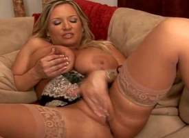 Tanned stopped kick into touch the top of curvy blonde milf Rachel Love with arrogantly gazongas and anacreontic make kick into touch every side expensive unmentionables polishes her muddied cunt and gives stunning blowjob alongside Rocco Shrivelled up wi