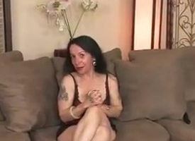 Hairy Pussy MILF Nina Swiss Masturbates