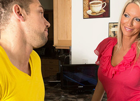 Emma Starr & Johnny Castle in Seduced unconnected with a Cougar