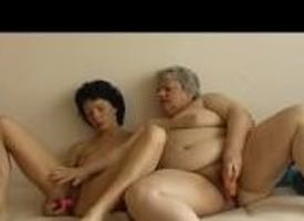 OmaPass Venerable fat granny has diversion round age-old sexy Full-grown