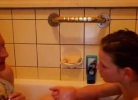German Mom and Scream foetus in bath - Go2Cams.com