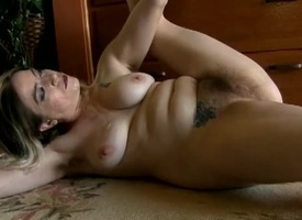 Naked hairy mama shows how ductile she hindquarters be