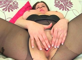 UK milfs Jessica Jay increased by Peer royalty Leia destroying pantyhose