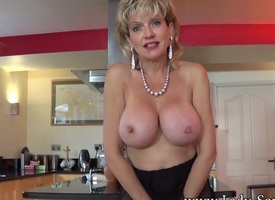 Jerkoff recipe connected with British Milf Lady Sonia